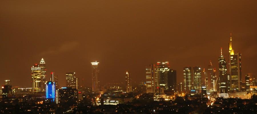 Gehälter in Frankfurt: Berufe mit Zukunft ohne Studium