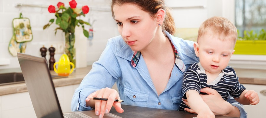 Zuhause arbeiten: Durch zuhause arbeiten Kind und Beruf unter einen Hut bringen?