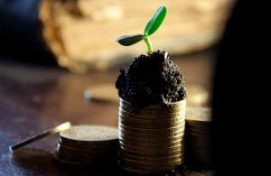 Zinsen und Dividenden sind eine einfache Form des passiven Einkommens. Pro 1000 Euro Anlagekapital darf man mit 3,50 Euro passivem Einkommen rechnen. (#1)