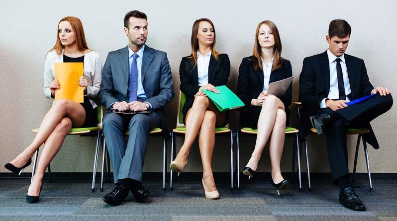 Ob Bewerber oder Bewerberin - je mehr männliche Attribute ein Kandidat hat, desto höher ist die Wahrscheinlichkeit, dass er oder sie den Job bekommt. (#03)