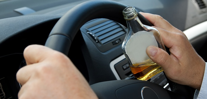 Alkoholkontrollen: Alkohol, autofahren, eine gefährliche Kombination