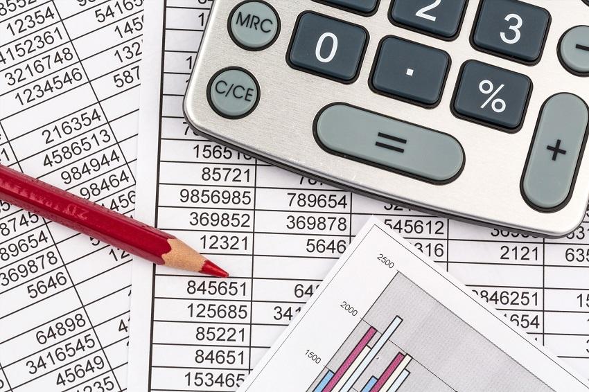 Ein unschlagbarer Vorteil von getrennten Konten (privat und betrieblich) ist, dass die Buchhaltung erheblich schneller und damit kostengünstiger zu erledigen ist. (#01)