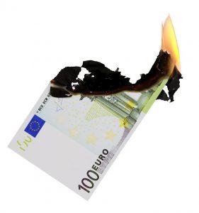 Geld ist schneller verbrannt, als verdient. Mit einem stimmigen Controlling verlangsamt sich die Geschwindigkeit spürbar. (#03)