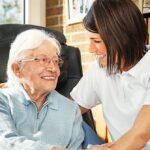 Bewerbung zur Altenpflege: Vorlagen und Muster