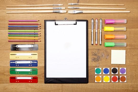 Einen hochwertigen und gut funktionierenden Kugelschreiber oder Bleistift kann jeder gebrauchen und hat auch jeder im Haushalt. (#02)