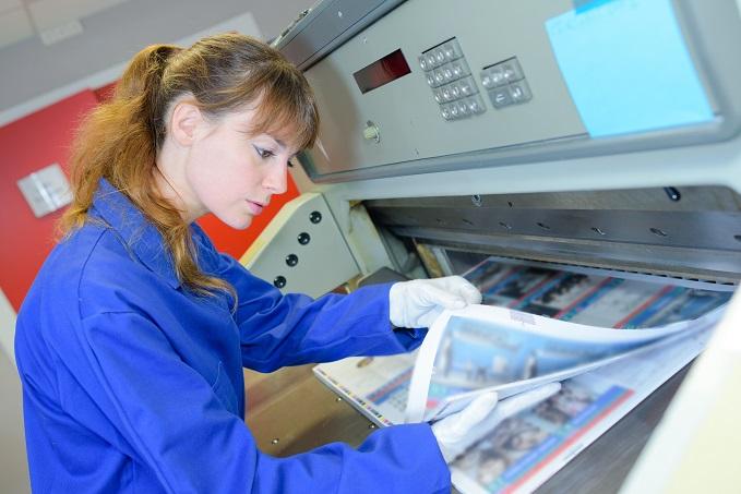 Vor allem die Medien und der moderne Digitaldruck bieten weite Beschäftigungsfelder für den Drucker für Hochdruck in Deutschland. (#01)