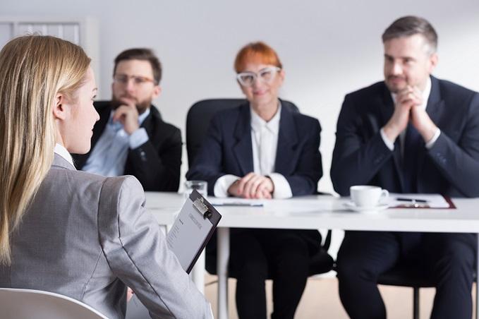 Im Bewerbungsgespräch wird es sich natürlich auch um Ihre Schwächen drehen, daher sollten Sie schon vorab nach Tipps suchen, wie Sie die besten Antworten finden bzw. wissen, wie die zugehörigen Fragen ausfallen könnten. (#02)