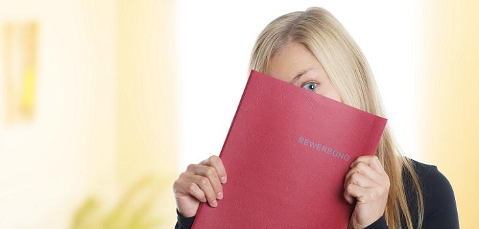 Checkliste: Was gehört in die Bewerbungsmappe?