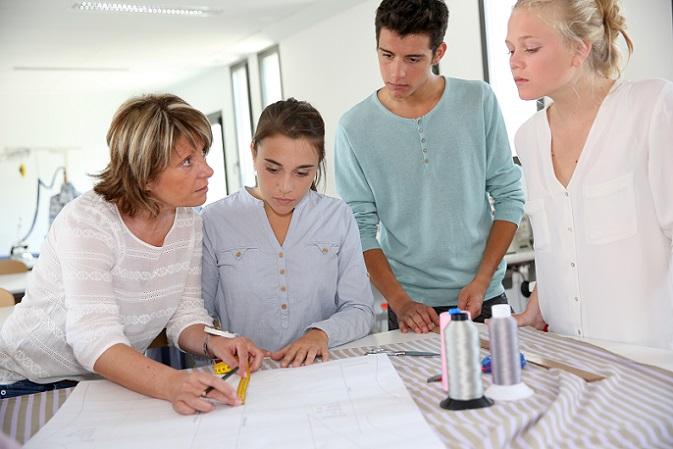 Die Berufsschule vermittelt in all diesen Fächern Kompetenzen und Fähigkeiten, die der Allgemeinbildung dienen und auch abseits des Berufs und der täglichen Arbeit im Unternehmen, von Nutzen sind. (#02)