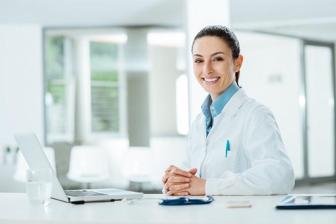Während Freiberufler in der Regel als Arzt, Anwalt oder Architekt über eigene Räumlichkeiten wie eine Praxis, eine Kanzlei oder ein Büro verfügen, bieten Freelancer hingegen ihre Arbeit regelmäßig für ein bestimmtes Unternehmen an. (#06)
