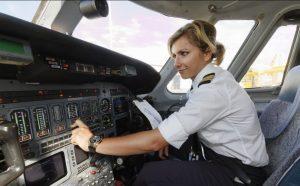 Verkehrsflugzeugführer bzw. Pilot ist der Traumjob vieler Kinder. Auch hier ist ein gutes Abitur mit erstklassigem Zeugnis die Voraussetzung. (#2)