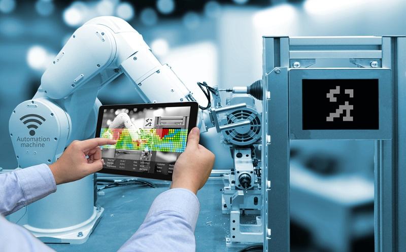 In den nächsten Jahren stehen Unternehmen, aber auch Führungskräfte und Mitarbeiter, vor der Herausforderung, sich dieser neuen digitalen Arbeitswelt anpassen zu müssen. Dies bringt neue Herausforderungen mit sich und im digitalen Zeitalter steht ein gewaltiger Veränderungsprozess im Bereich der Arbeitswelt bevor. (#01)