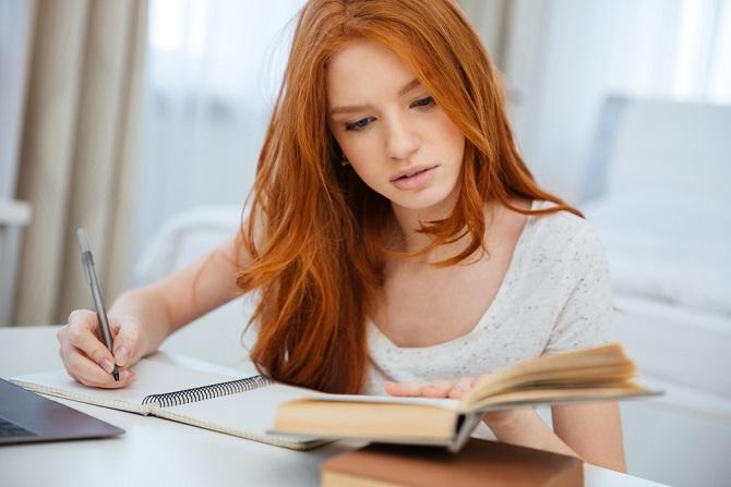 In vielen Studiengängen ist es ganz normal, dass die Teilnehmer teilweise sehr lange wissenschaftliche Hausarbeiten schreiben müssen, damit sie das Studium auch bestehen. (#01)