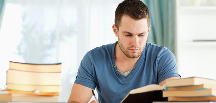 Hausarbeiten schreiben lassen oder selbst schreiben?