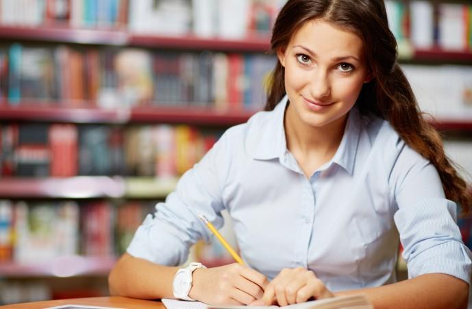Gerade auch die Vorbereitungszeit und das korrgigieren von Klausuren ist eine zeitaufwendige Aufgabe. (#2)