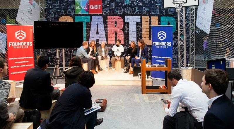 Bei der von der hei. Hamburger ExistenzgründungsInitiative, der Handelskammer Hamburg und der Handwerkskammer Hamburg gemeinsam veranstalteten Messe präsentieren sich jährlich an die 60 Aussteller: (#03)