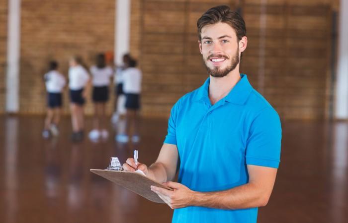 Ob Du Sportlehrer werden kannst, hängt von der Fächer-Kombi ab. In aller Regel ist die Wahl eines bestimmten Fachs an ein anderes Fach gekoppelt. (#4)