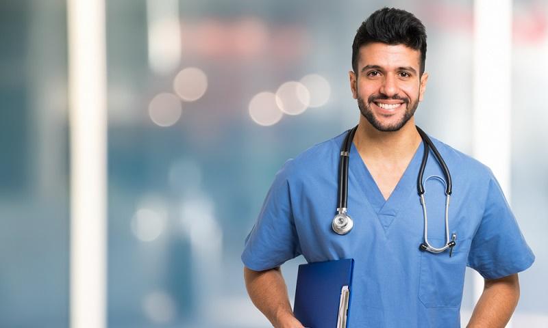 Der Klassiker: Wer Arzt werden möchte, schreibt sich an der Uni ein und studiert Medizin. An deutschen Universitäten hat der Studiengang eine recht hohe Zulassungsbeschränkung. (#04)
