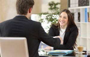 Als künftiger Arbeitnehmer sollte man sich nicht durch die Autorität des Chefs unterkriegen lassen. (#03)
