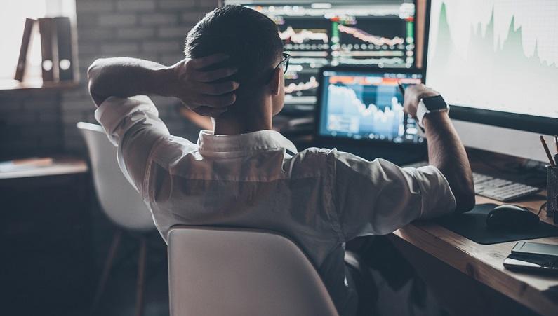 Auch beim Handel an der Börse ist es nicht schlimm, wenn Sie Schwächen haben. Viele Trader verlassen sich beispielsweise zu viel auf ihr Bauchgefühl und reagieren dann zu schnell. Wichtig ist es nur, dass Sie genau diese Schwächen kennen und sich ihnen stellen. (#02)
