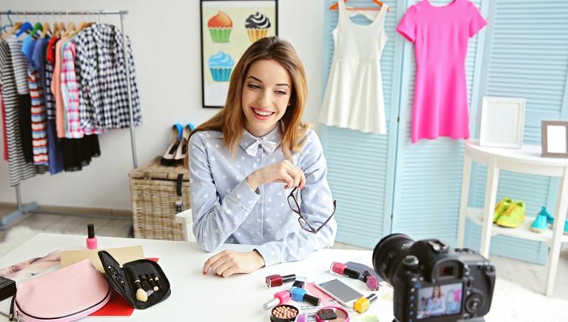 Blogger schreiben regelmäßig in ihrem eigenen Blog über ein Thema, welches in der Regel ihren Leidenschaften oder Hobbys entspricht. (#01)