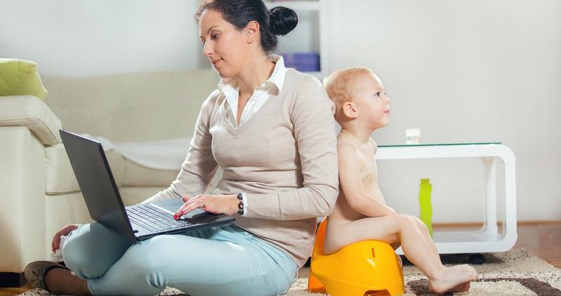 Für den Wiedereinstieg mit Zukunft ist es wichtig, dass junge Eltern ihre Zeit souverän, flexibel und selbstbestimmt gestalten können. Die Arbeitswelt der Zukunft ist vor allem durch die zunehmende Digitalisierung geprägt. (#02)