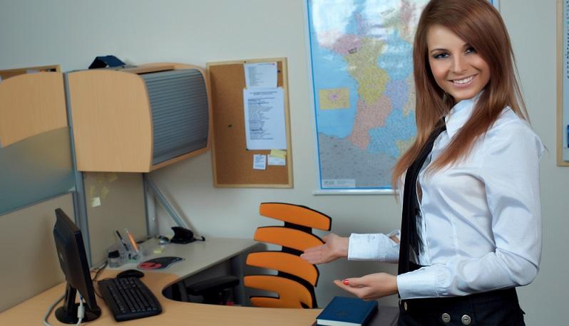 Karriereberater raten daher Frauen in der Babypause oder Elternzeit dazu, den Zeitraum so kurz wie möglich zu halten. (#02)