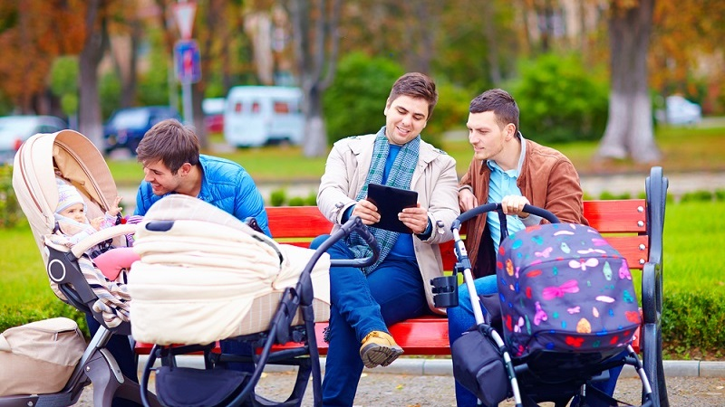 Als einer der größten Vorteile der Elternzeit nennen viele Eltern den Kündigungsschutz, der damit einher geht. In der Regel sind Väter und Mütter, die sich in Elternzeit befinden, unkündbar. Es gibt natürlich Ausnahmen von dieser Regel, die jedoch sehr selten vorkommen. (#02)
