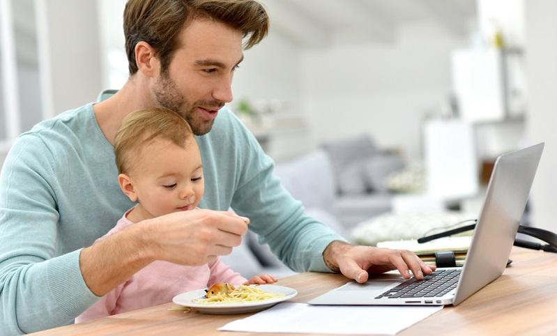 In Deutschland gibt es zahlreiche Möglichkeiten und gesetzliche Regelungen zum Thema Elternzeit, Babypause und Rückkehr in den Beruf. (#03)