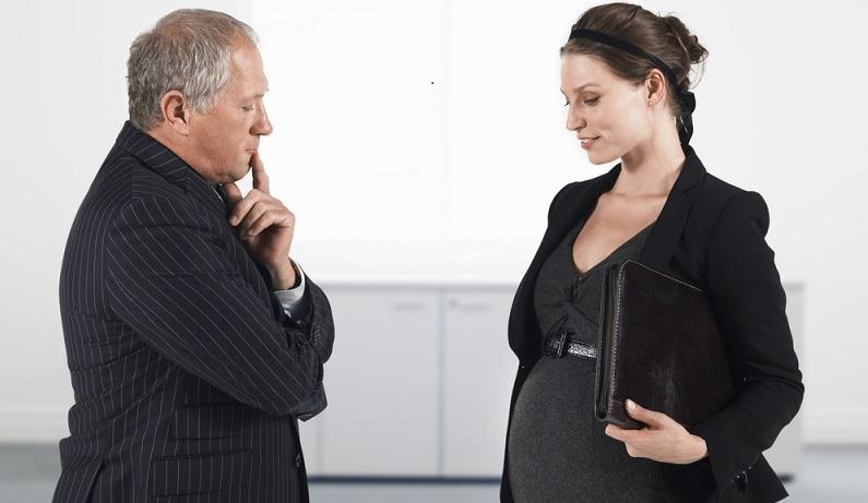 Das Arbeitsverhältnis wird nicht davon beeinflusst, ob die Mitarbeiterin schwanger wird oder nicht. (#04)