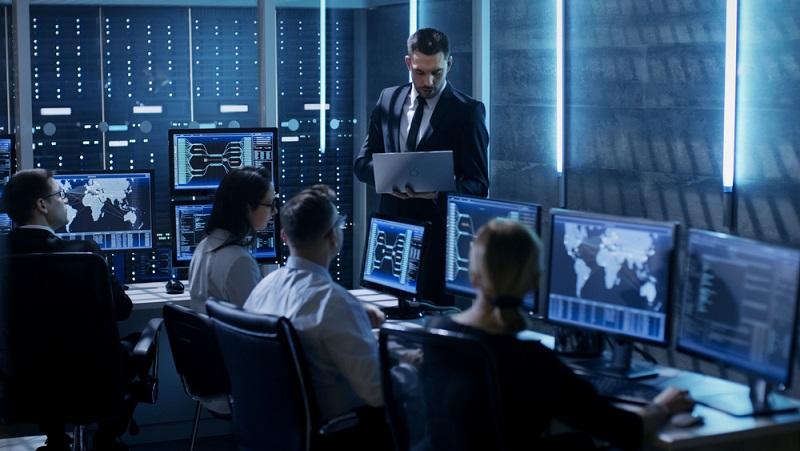 Wichtig sind Kenntnisse über relationale, nicht-relationale und multidimensionale Datenbanken. (#04)