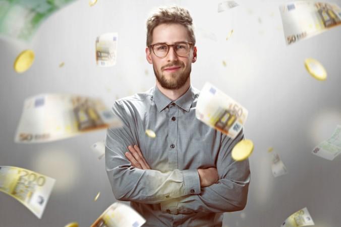 """Zu Beginn ist das Gehalt in einem New Economy Unternehmnen gerade für Neueinsteiger oft noch sehr niedrig. Gefordert wird jedoch sehr viel Einsatz. Man muss durchhalten, bevor es endlich """"Geld regnet"""". (#4)"""
