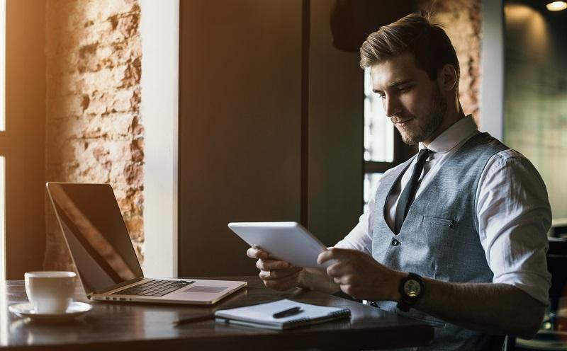 Weg von Papier und hin zu digitaler Dokumentation – dies soll für die Umwelt besser werden und auch für die Abläufe im Unternehmen. (#02)