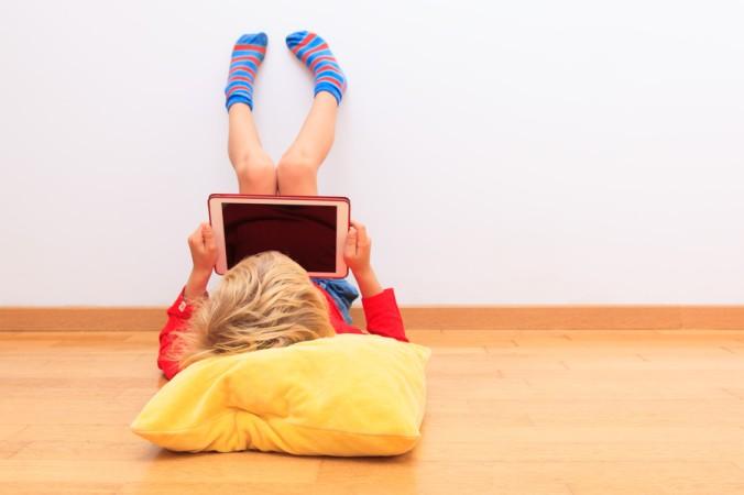 Eine weitere Möglichkeit ist das digitale Lernen. Hierbei wird mit APPs oder Computerspielen der Lerninhalt vermittelt. Das Kind lernt den wichtigen Lernstoff und hat zeitgleich eine Menge Spaß dabei - der digitale Weg, das Lernen zu lernen. (#2)
