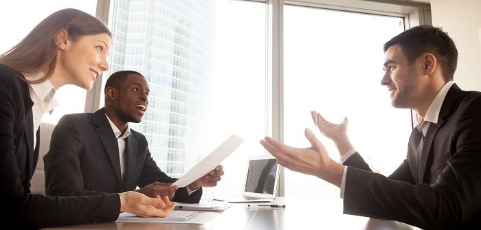 Verhandeln auf Englisch: Regeln für erfolgreiche internationale Bewerbungen