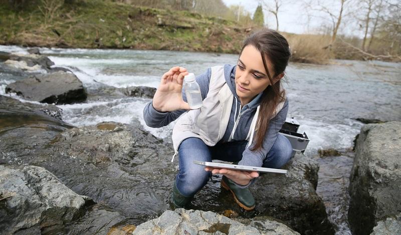 Es gibt interessante Möglichkeiten, im Bereich der Biologie zu arbeiten. Für einige Berufe benötigt man ein Studium. (#01)