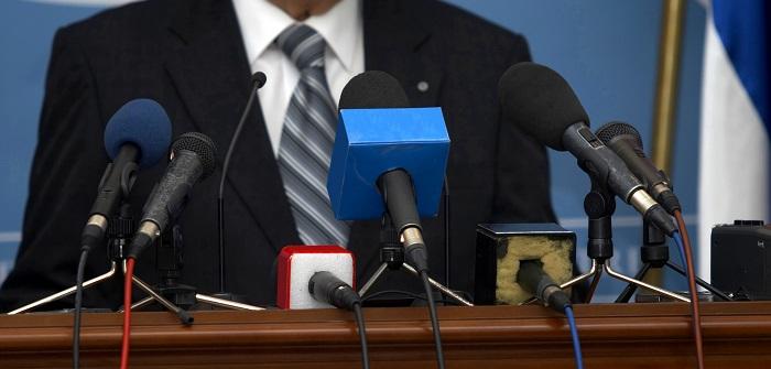 Pressesprecher werden: Diese Voraussetzungen sind zu beachten