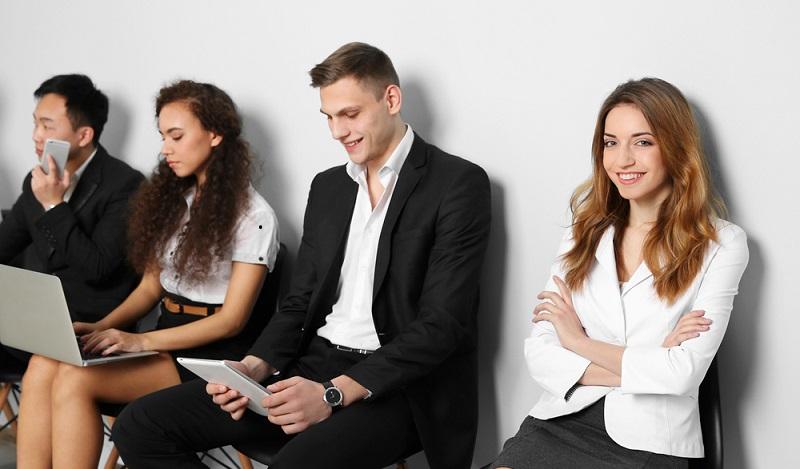 Die Bewerbungsfragen sollen aber auch dazu dienen, die Kandidaten persönlich kennenzulernen und festzustellen, ob sie ins Team hineinpassen. (#04)