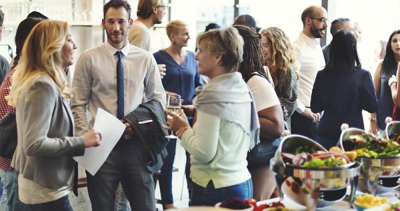 Zudem kann man sich selbst einem recht spezialisierten Beruf wie Eventmanager noch weiter spezialisieren, zum Bespiel mit unterschiedlichen Studiengängen. (#02)