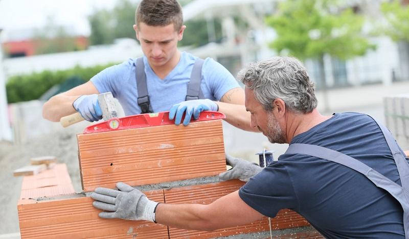 Ausbildungsberufe im Bereich Bauwesen, nach dem Hauptschulabschluß , sind sehr vielseitig und bieten einem Azubi ein breites Spektrum am Möglichkeiten. (#03)