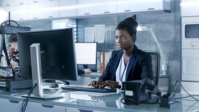 In den klassischen IT-Ausbildungsberufen (z.B. Fachinformatiker, IT-System-Elektroniker oder Kaufmann für Information) liegt der Anteil weiblicher Azubis bei immerhin rund acht Prozent.(#05)