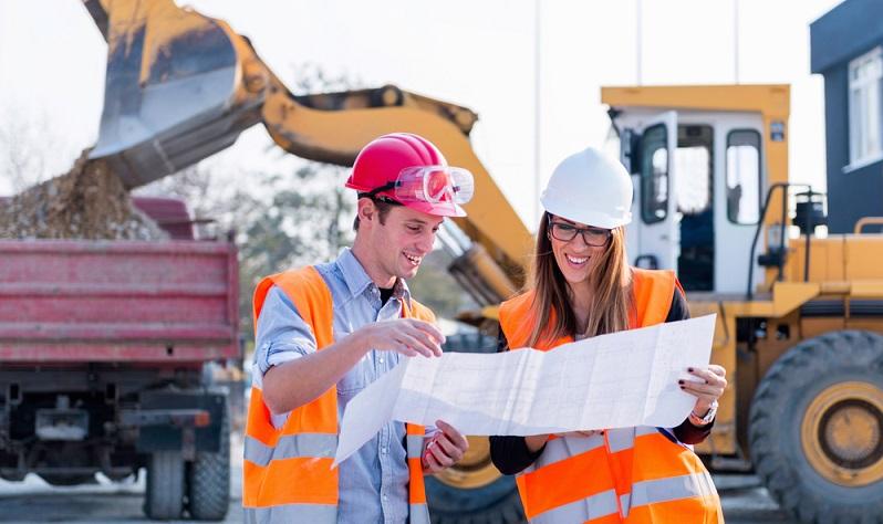 Auch ein Hochschulabschluss im Ingenieurswesen bringt einen guten Verdienst in die Tasche. Ähnlich wie bei Rechtsanwälten schwankt das Gehalt jedoch stark mit der konkreten Position. (#01)
