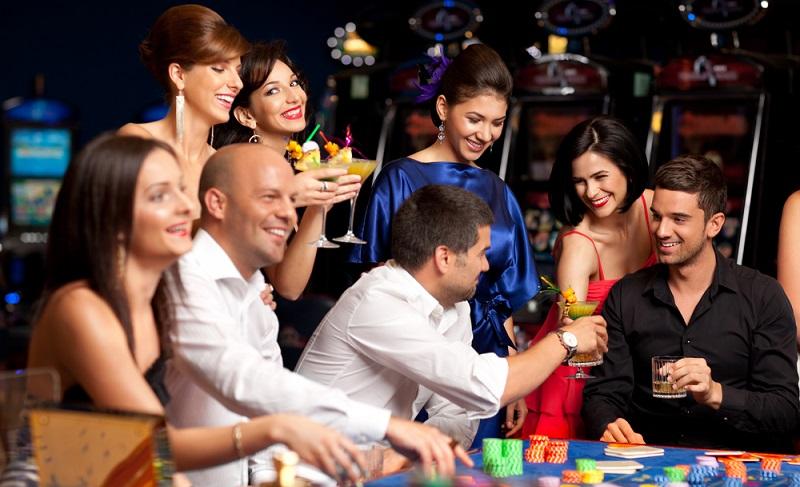 Spielideen Für Weihnachtsfeier.Spiele Für Die Betriebsfeier Lustige Partyspiele Für Erwachsene