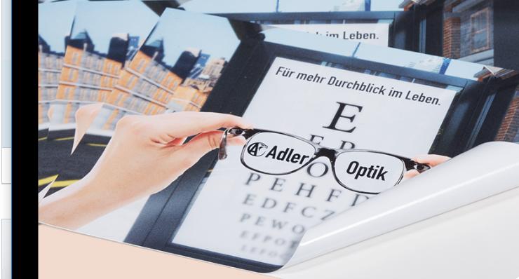 Bleiben wir bei dem Text. Gerade wenn nur wenig Text auf dem Roll-Up-Display verwendet wird, gilt es den in einer Schriftart zu gestalten. (#03)