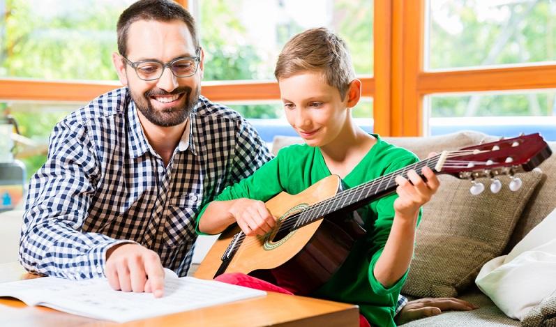 Künstlerische Berufe sind beliebt, sowohl bei Mädchen als auch bei Jungs Musiklehrer ( #03)