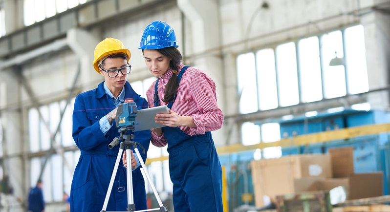 Welche Berufe gibts es? Der Beruf des Vermeesungstechnikers, kann von Frauen und Männern ausgeübt werden. (#01