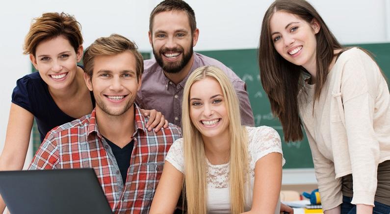 Wenn man FH-Studiengänge überblicksmäßig analysiert, fällt schnell ins Auge, dass viele Studiengänge diese fächerübergreifende, duale Eigenschaft haben. (#04)