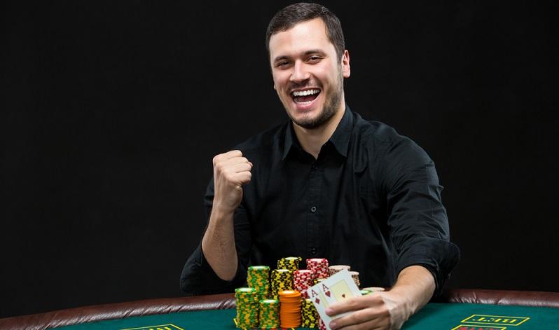 Wer gerne zockt, mag durchaus auf die Idee kommen, dass Berufsspieler eine tolle Alternative zum derzeitigen Job wäre. Nach den ersten Gewinnen zeigt sich, dass hier durchaus Einnahmen zu erlangen sind.(#04)