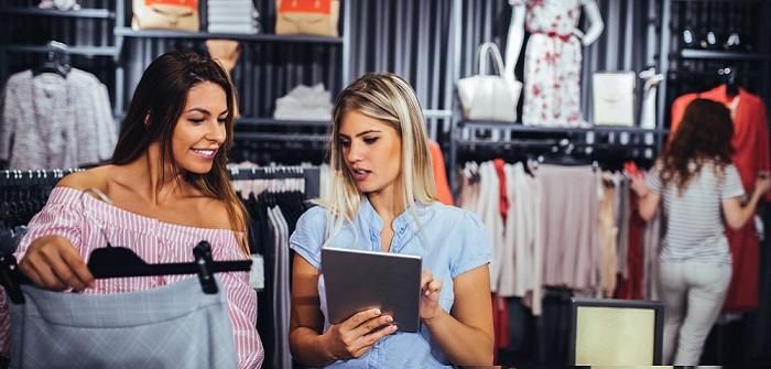 Zwei Bewerbungsschreiben für Kauffrau im Einzelhandel
