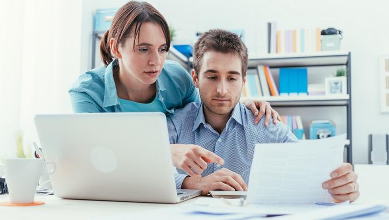 Die Anmeldung beim Finanzamt gehört zu den ersten organisatorischen Tätigkeiten, wenn man sich freiberuflich selbstständig machen möchte. (#03)